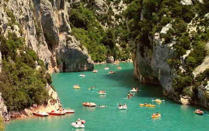 Kanoën op de rivier de Ardèche in zuid-Frankrijk - last minute vriendenprijsreizen